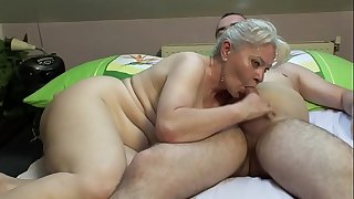BEDROOM Hook-up BY MATURE Duo !!