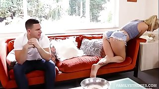 Natalia Starr, Peter Green - Tindr For Stepsibs http://zo.ee/6CkMN